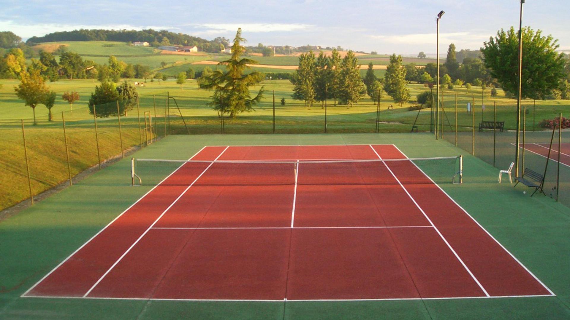 Longeveau tennis court