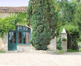 La Petite Grange, Manoir de Longeveau